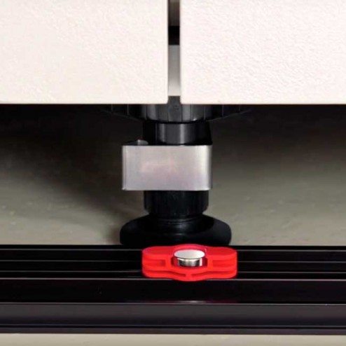 Braçadeira Magnética Rodapé PVC Cozinha